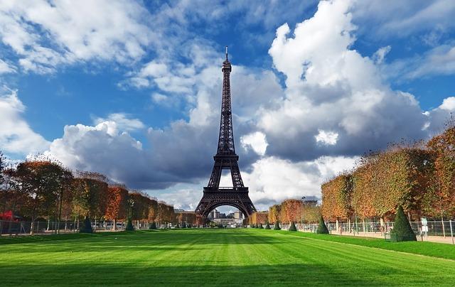 Vancouver to Paris, France cheap flights deals