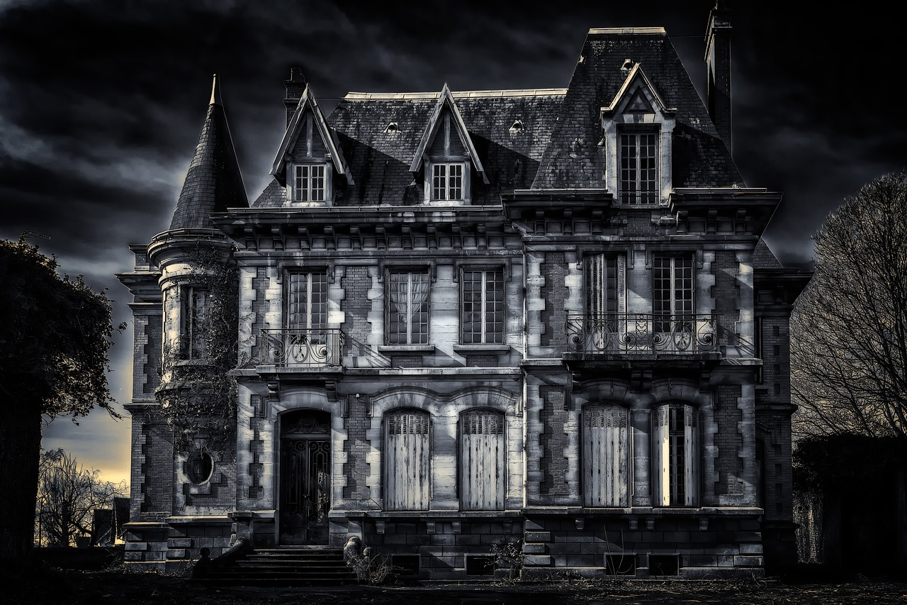 20 Most Haunted Places in Canada